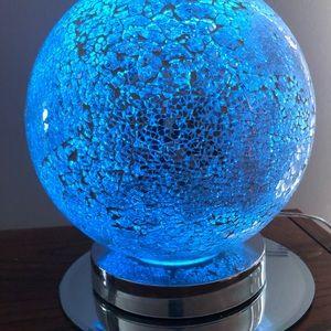 Globe desk light changes color
